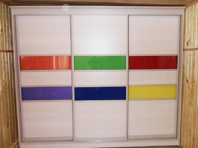 Разноцветный шкаф-купе в спальню Венера