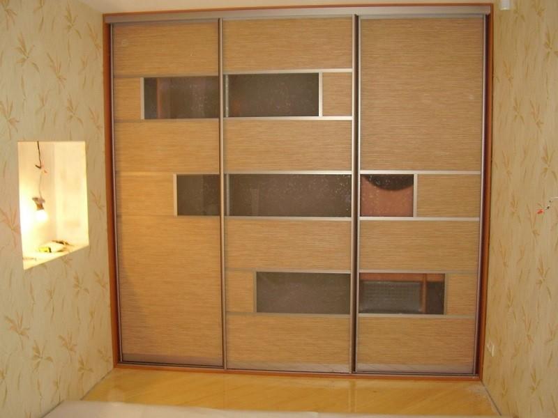 Встроенный шкаф-купе для одежды матовый Фран