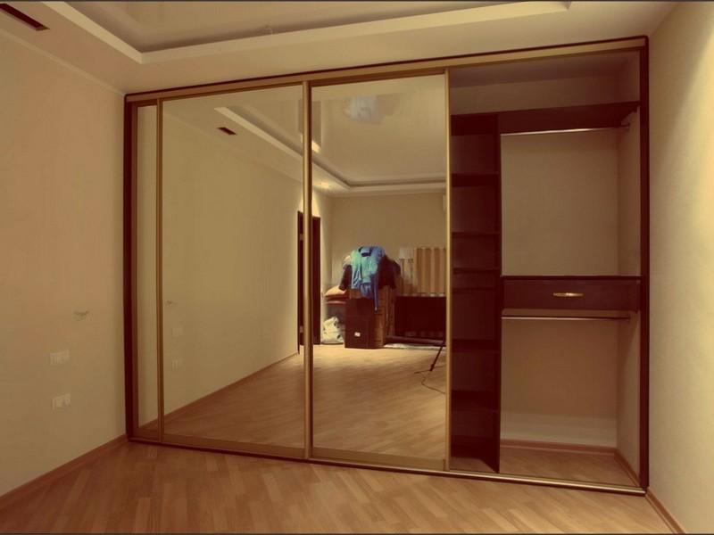 Встроенный шкаф-купе зеркальный 3 двери Гламур