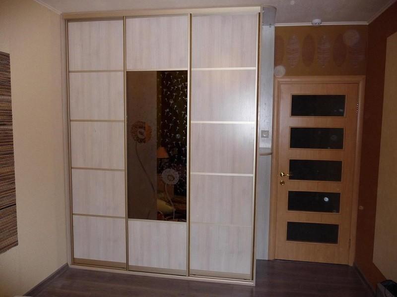 Шкаф-купе встроенный зеркало с ЛДСП Глория