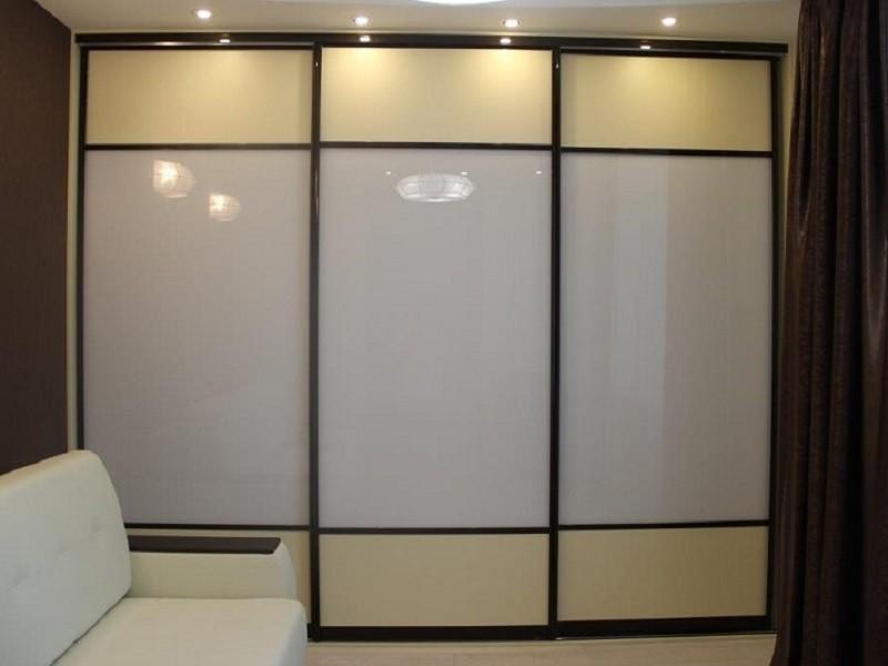 Встроенный шкаф-купе 2-цветный глянец Игория