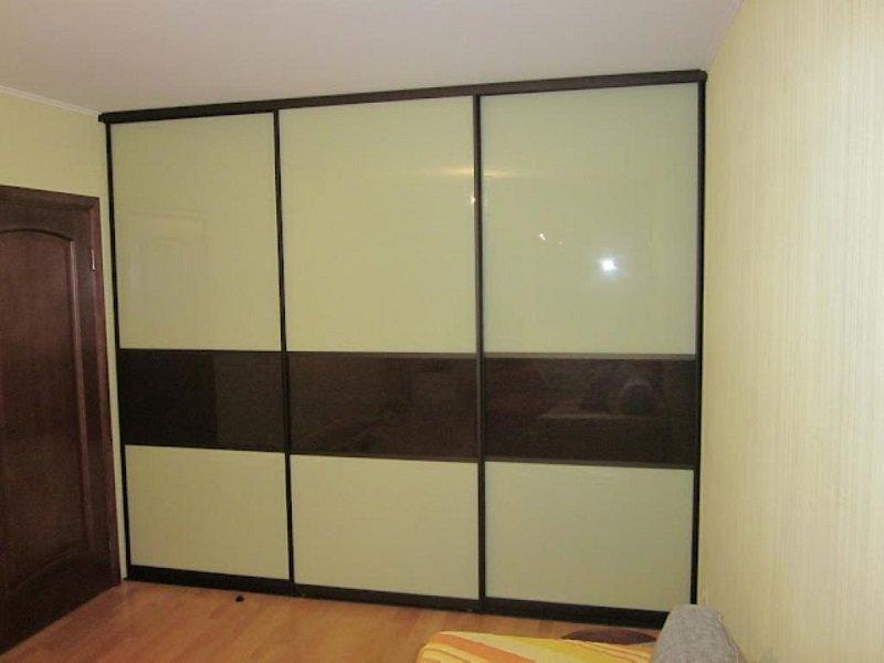Встроенный шкаф-купе черно-белый глянец Венеция