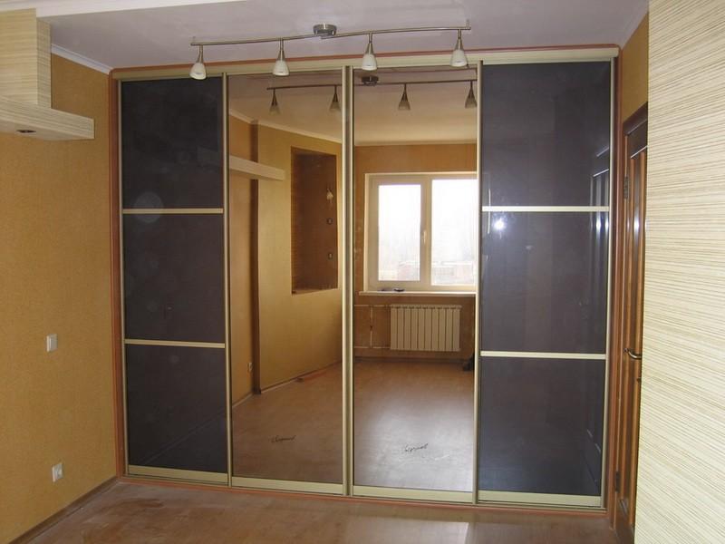 Встроенный шкаф-купе во всю стену зеркало лакобель Ирен