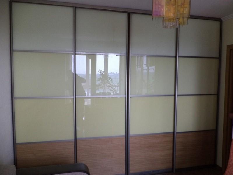 Комбинированный шкаф-купе в гостиную Лион