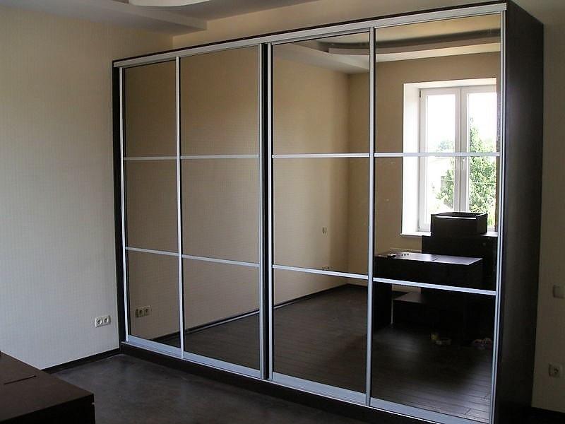 Зеркальный шкаф-купе во всю стену Шарм