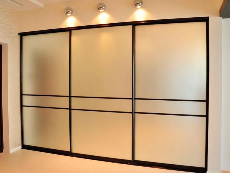 Встроенный шкаф-купе зеркало сатин Поти