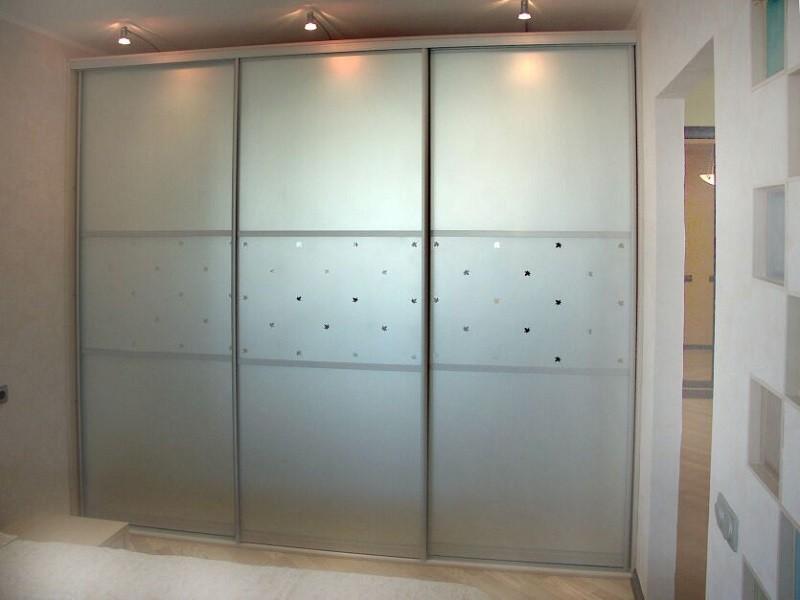 Шкаф-купе алюминиевый профиль зеркало сатин Стос