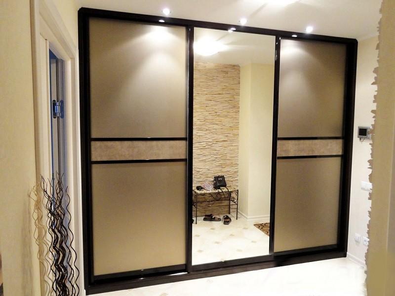 Шкаф-купе комбинированный зеркало серебро и сатин Стоун
