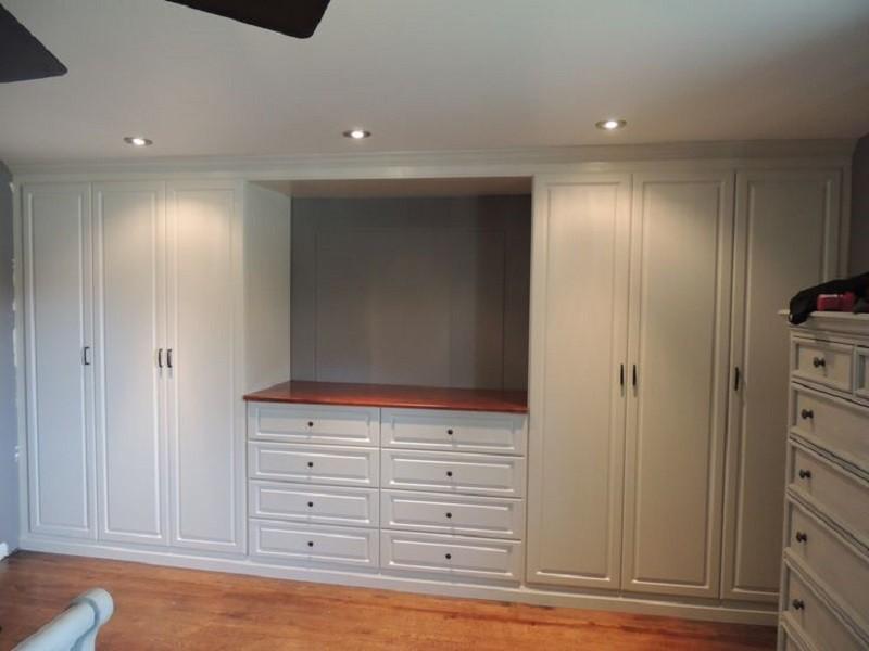 Распашной классический шкаф на мансарду №1119