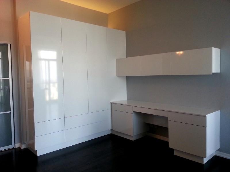 Белый глянцевый шкаф с письменным столом №1121