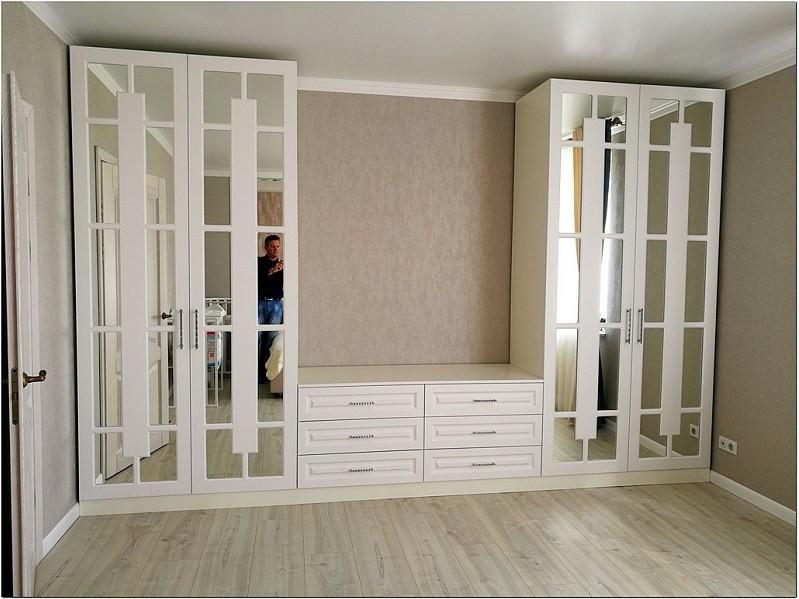 Шкаф распашной с перекрестием в гостиную №1201 фото фасадов