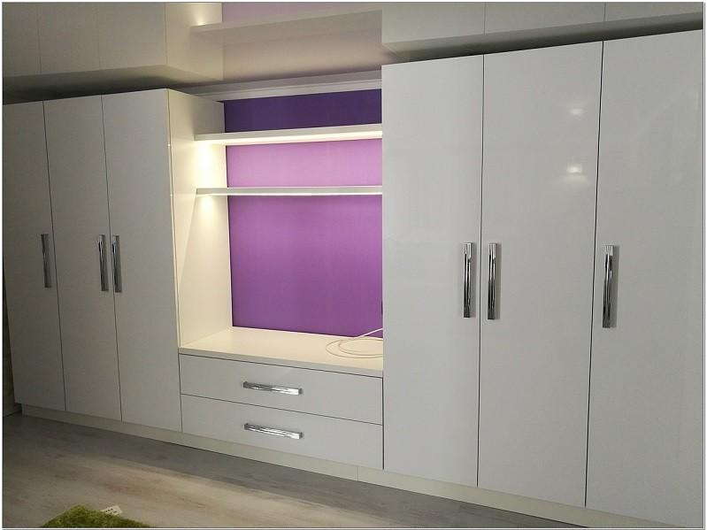 Распашной отдельностоящий белый шкаф №1191