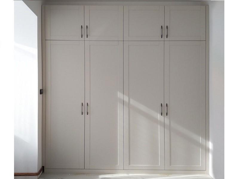 Встроенный распашной шкаф №1214 с фрезеровкой