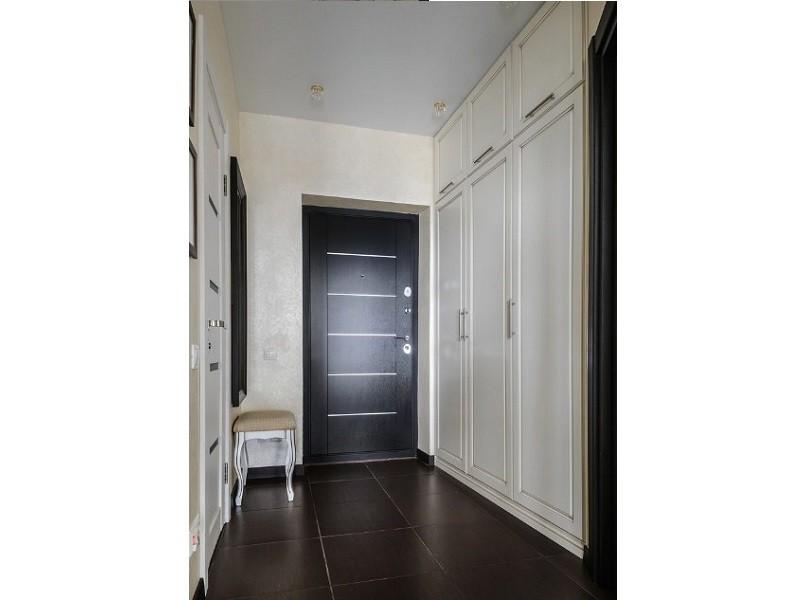 Встроенный распашной классический шкаф №1215