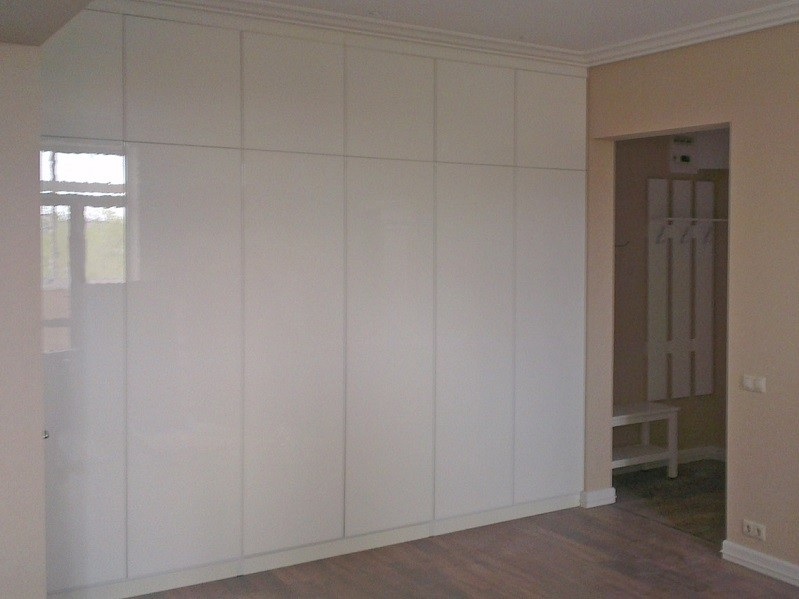 Встроенный распашной шкаф с антресолями №1222