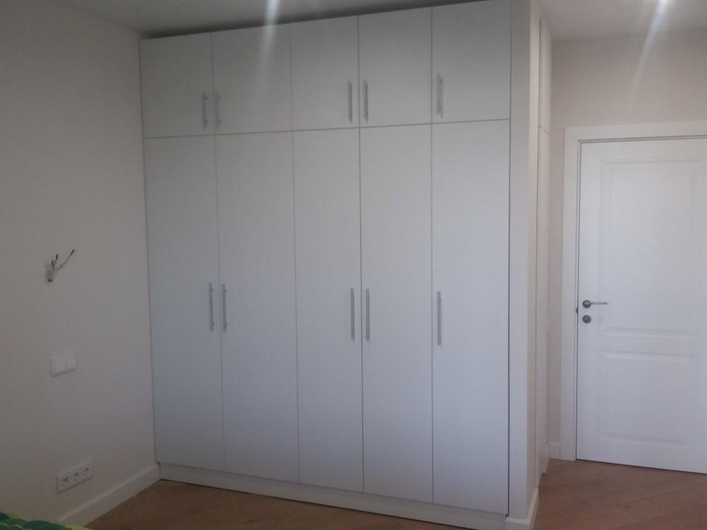 Встроенный распашной матовый шкаф №1223