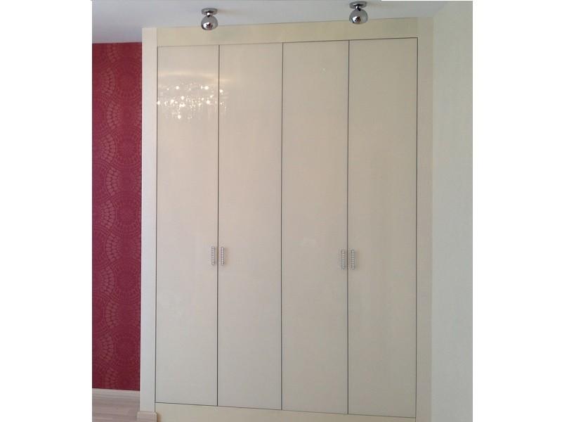 шкаф белый 4 дверный распашной