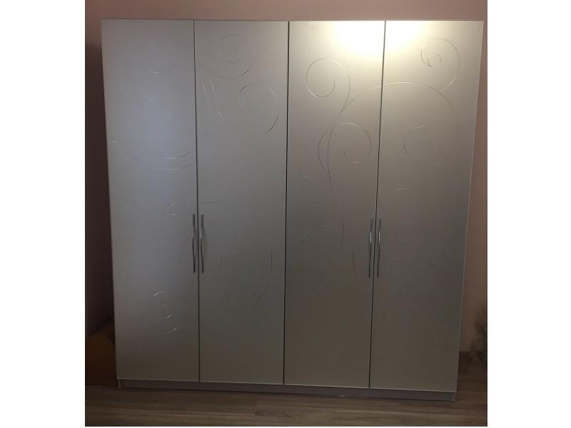 Распашной 4 дверный шкаф до потолка №1276