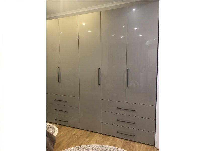 Серый глянцевый распашной шкаф с ящиками №1283