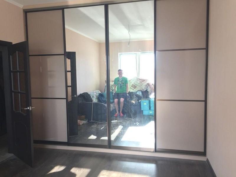 Стильные двери для шкафов-купе