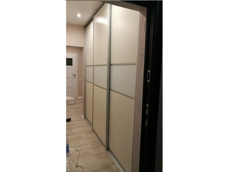 Двери для шкафа-купе в прихожую
