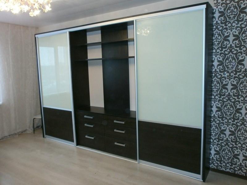 Двери для шкафа-купе с нишей под телевизор
