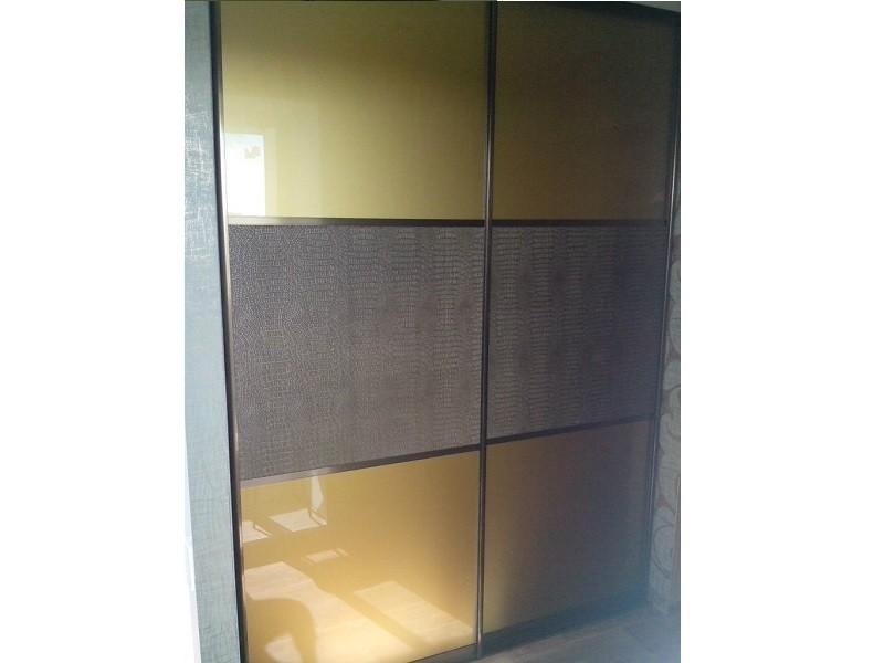 Двери для встроенного шкафа золотистые