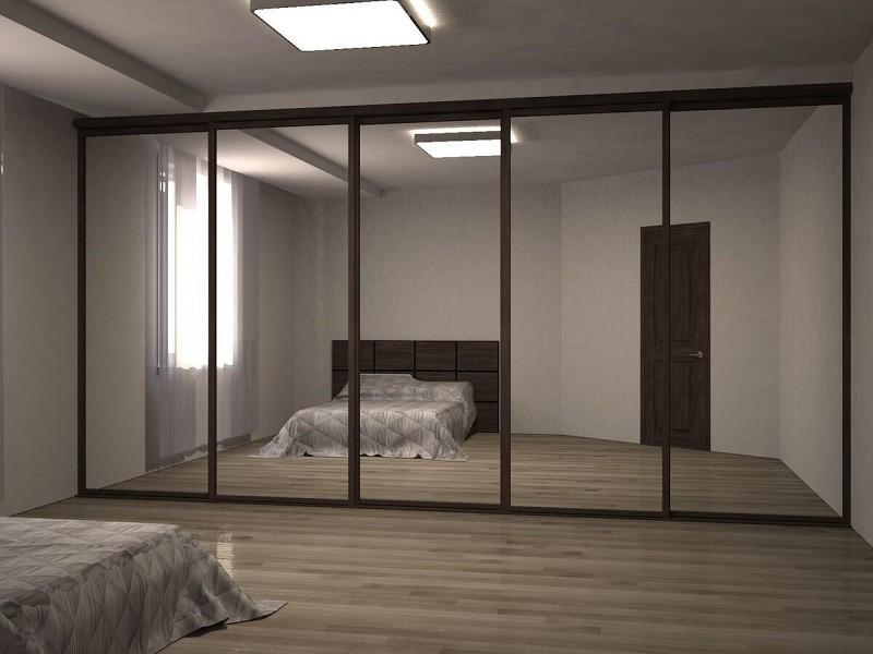 Пять зеркальных дверей-купе