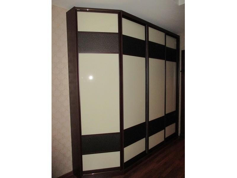 Встроенный скошенный шкаф-купе 0321