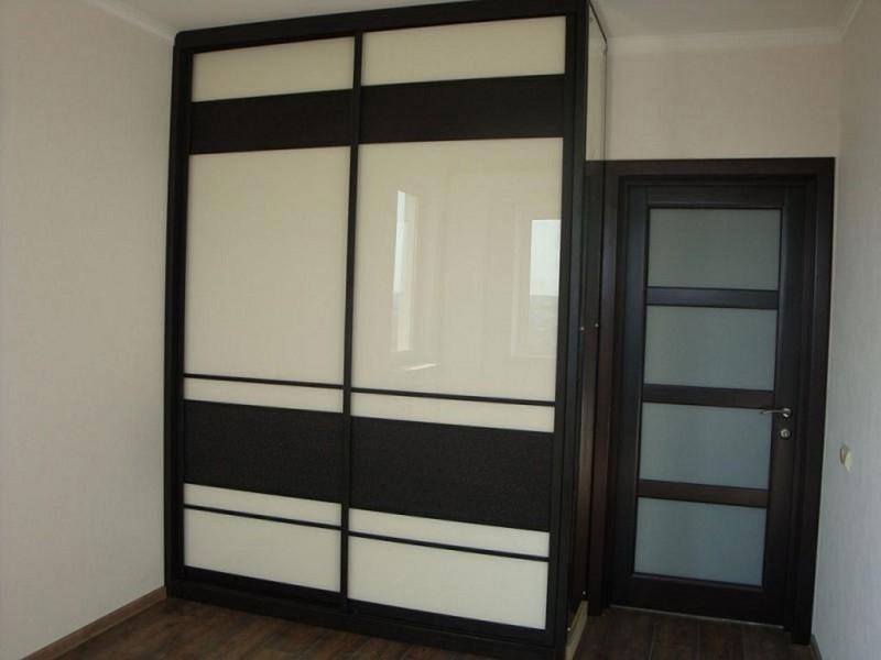 Встроенный шкаф-купе в цвете венге 0340