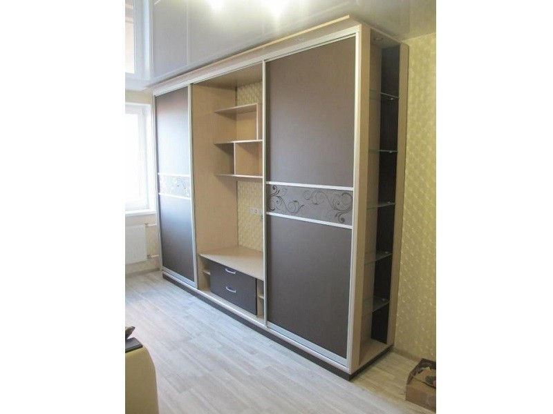 Нестандартный шкаф с нишей для телевизора №0434