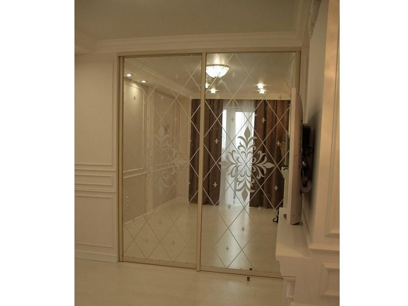 Двери-купе зеркало ромбы