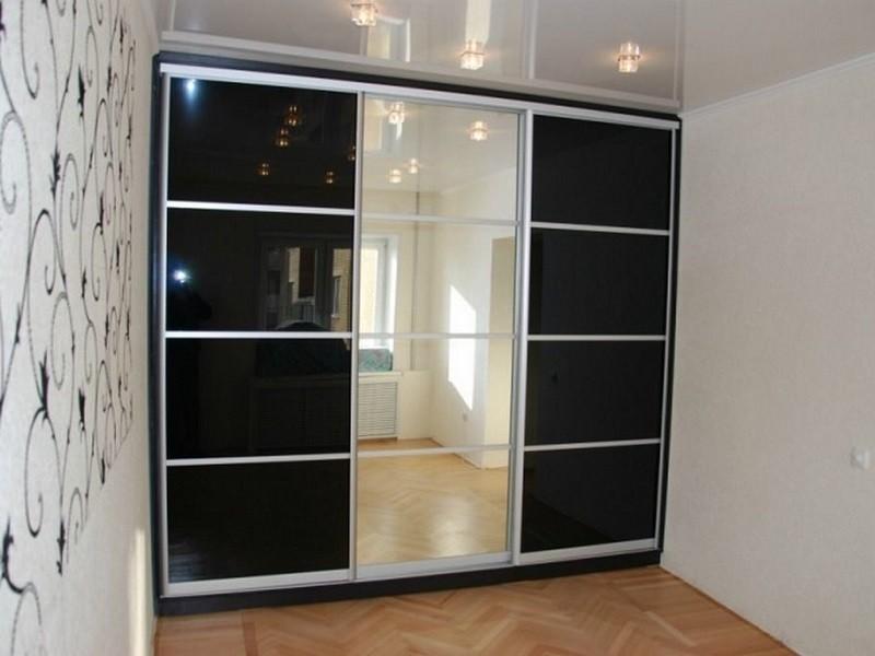 Двери-купе со вставками зеркало
