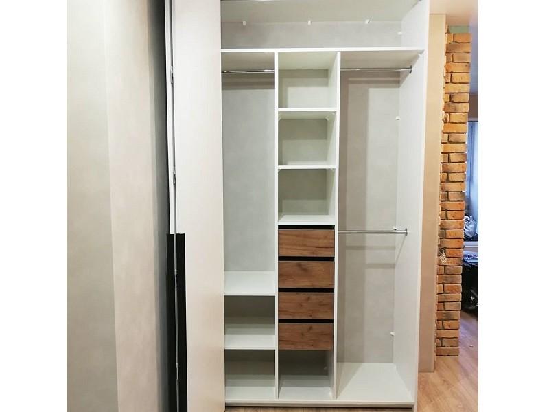 Шкаф гармошка со скрытой ручкой №136