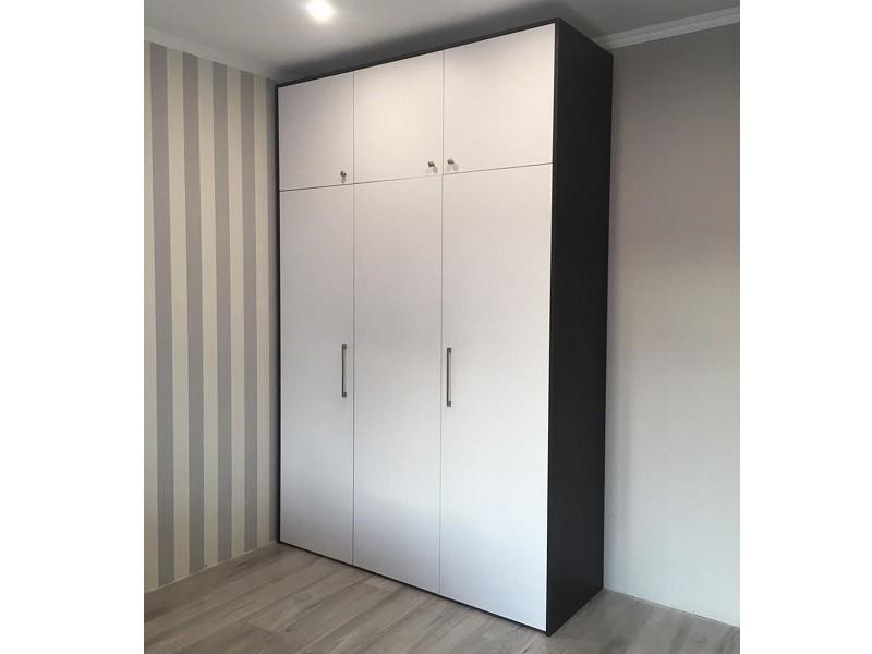 Корпусный шкаф гармошка с распашным фасадом №122