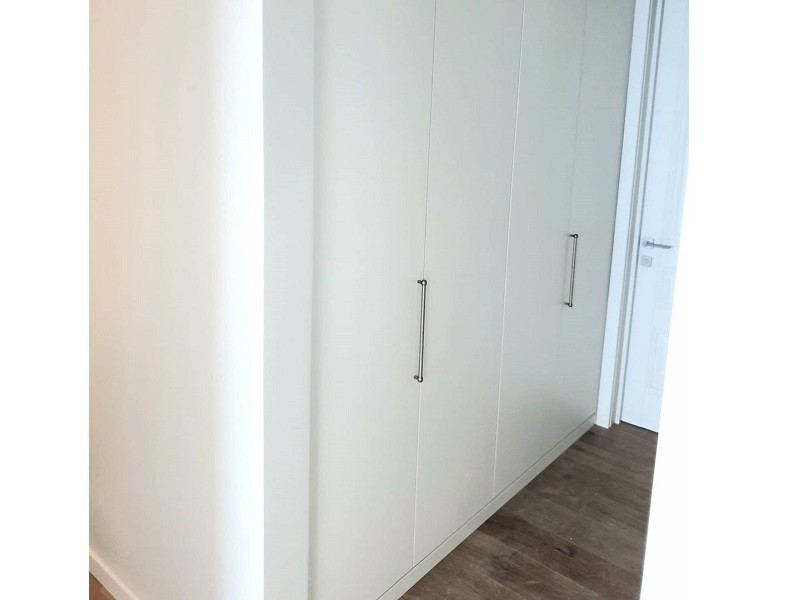 Шкаф со складными дверями гармошка №116