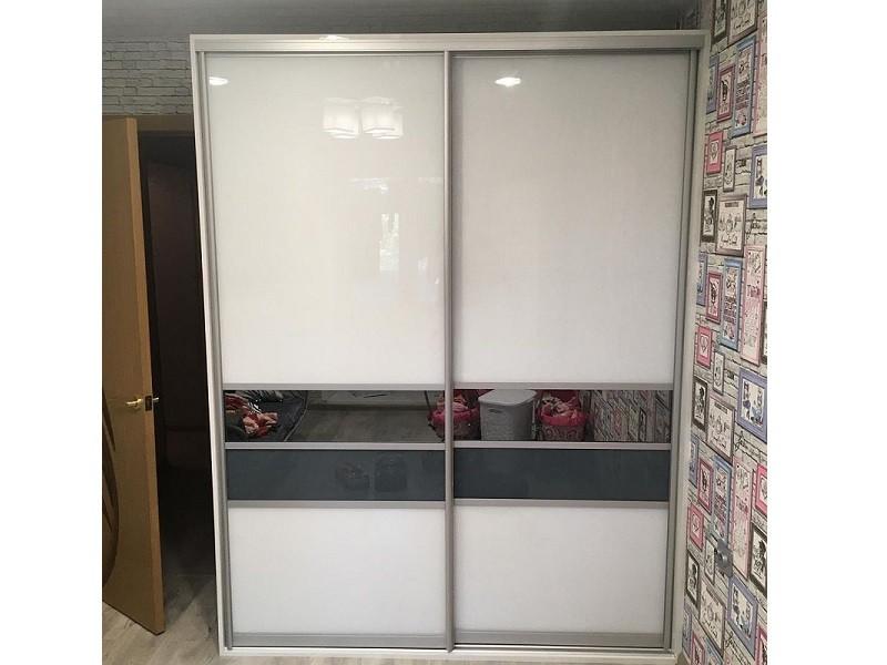 Белые двери-купе вставки зеркало графит